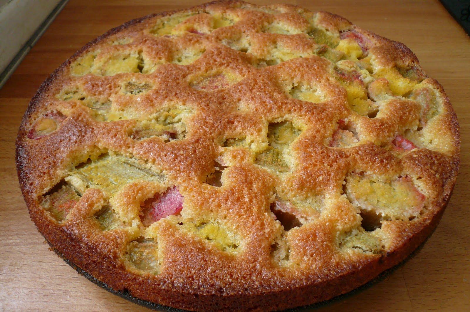 Gâteau à la rhubarbe du jardin de ma grand mère dans Faire un régime...L'année prochaine...Promis...