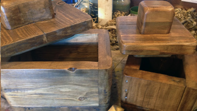 Reclaimed rustic wooden box