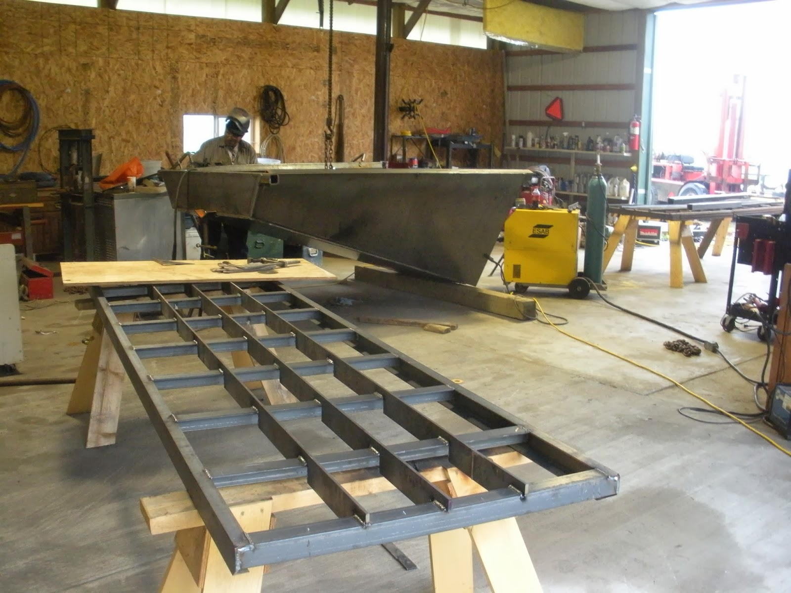 Building a good stationary type  hopper for a gold mining wash plant