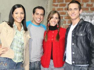 Junior Silva con Mayra Couto , Daniela Camaiora y Diego Seminario