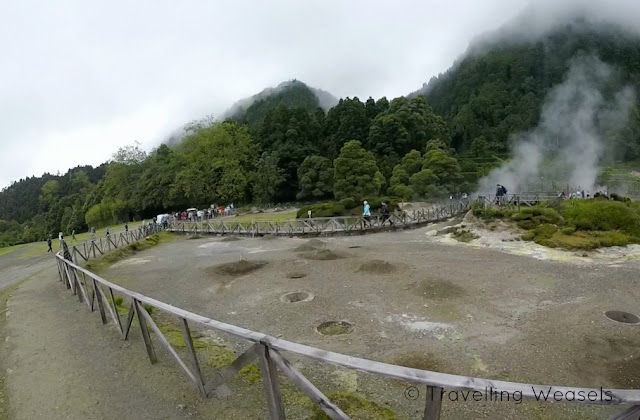 Lagoa das Furnas hot Springs