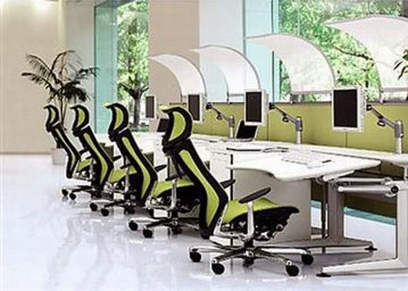 Maximizing Desk Space