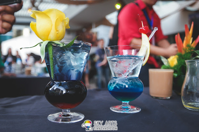 Then we created this awesome mocktail called 'Black Widow' - Purple to black which looks poisonous yet beautiful!