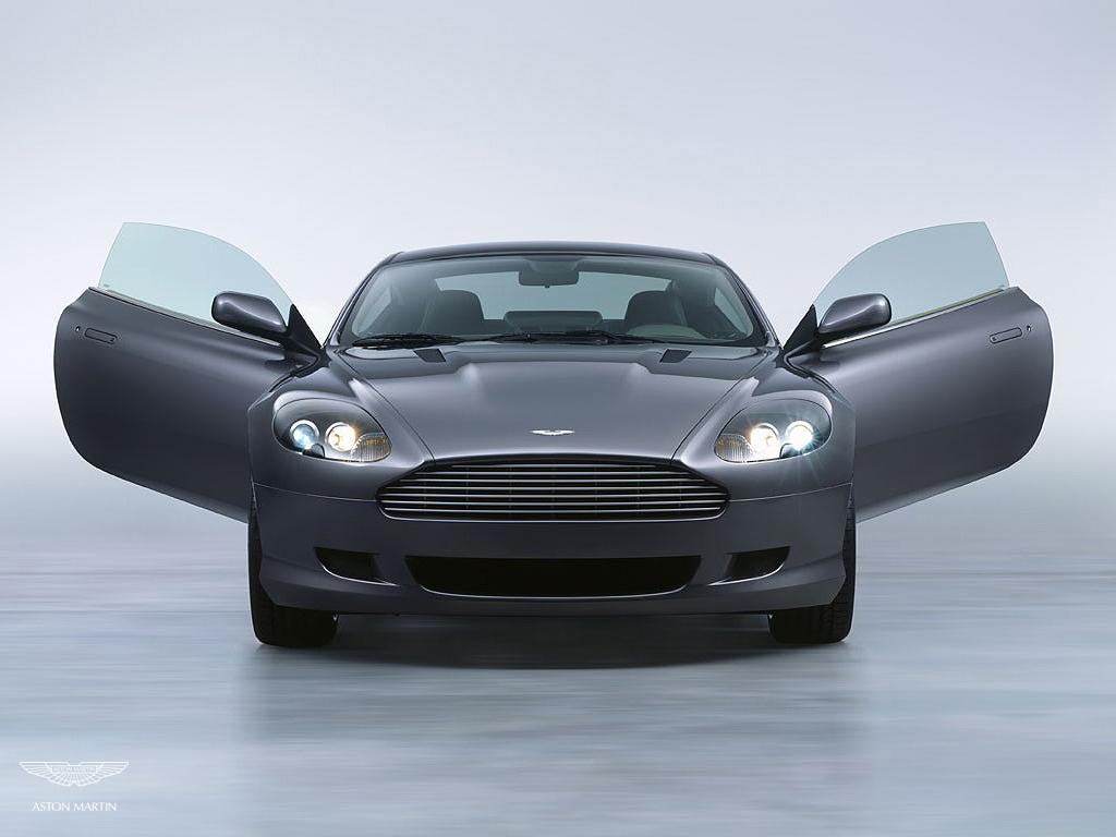 Selena Gomez Justin Aston Martin DB - Aston martin db9 coupe