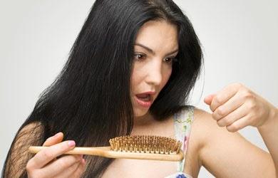 Cara Mengatasi Rambut Rontok Dengan Mudah Alami