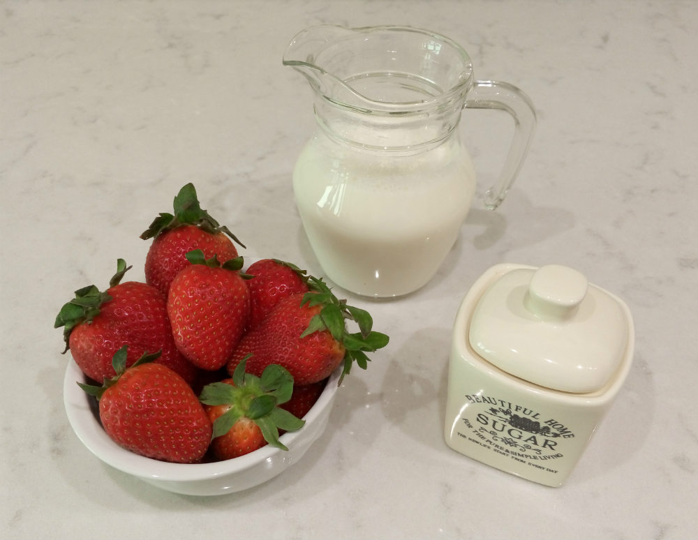 Ingredientes para batido de fresa