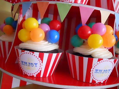 Balloon Cupcake Toppers4