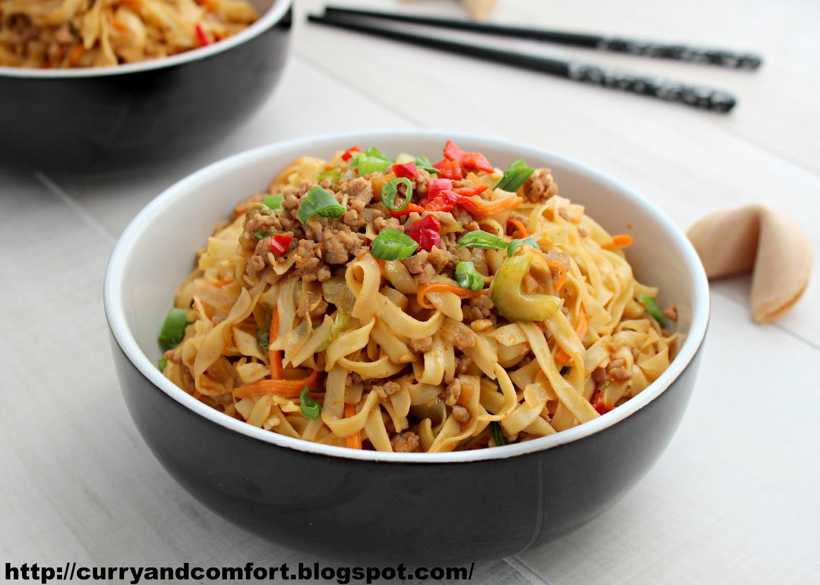 kitchen simmer lo mein noodles with ground pork. Black Bedroom Furniture Sets. Home Design Ideas