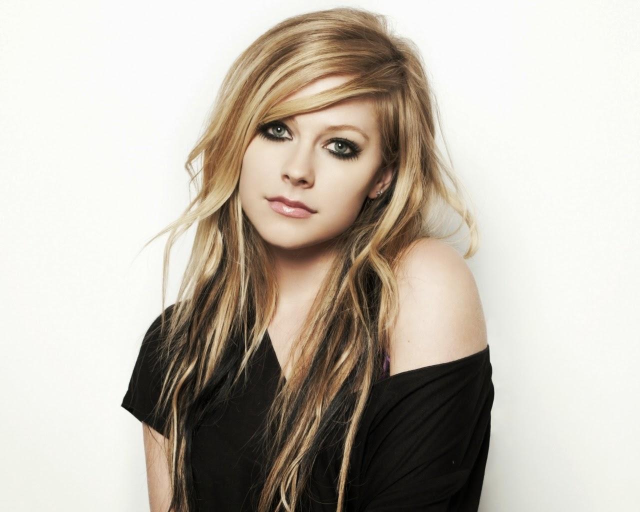 Profil Lengkap dan Biodata Avril Lavigne