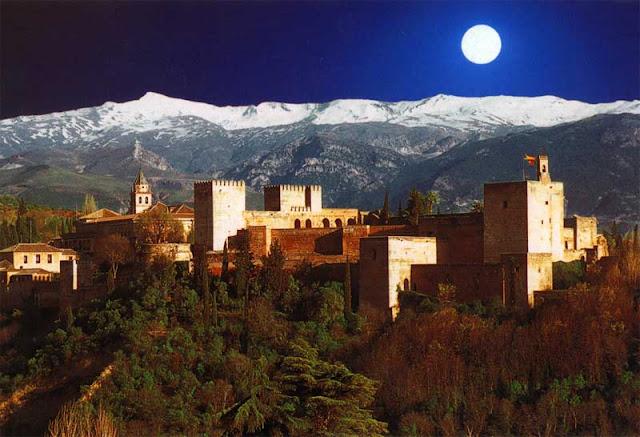 Alhambra y Sierra Nevada desde el mirador de San Nicolás