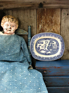 very small blue willow platter