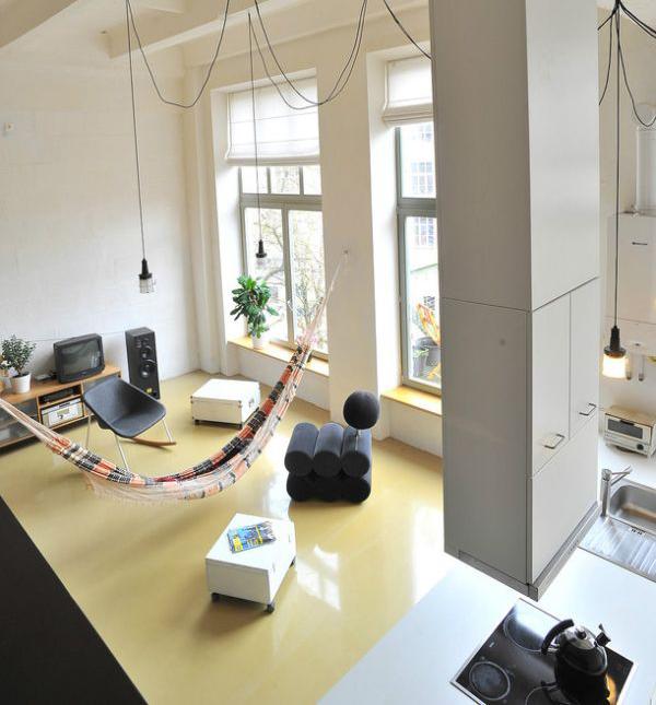 die wohngalerie h ngematte mitten im raum urlaub zuhause. Black Bedroom Furniture Sets. Home Design Ideas