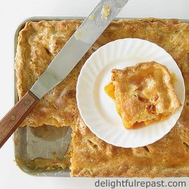 Peach Slab Pie / www.delightfulrepast.com