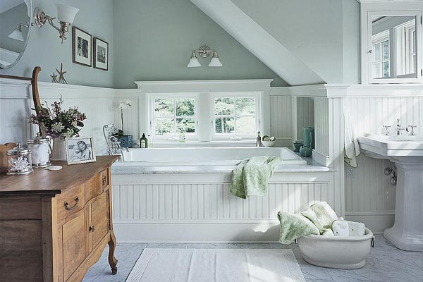 Boiserie c bagni luoghi di benessere come una spa for Piccolo cottage moderno