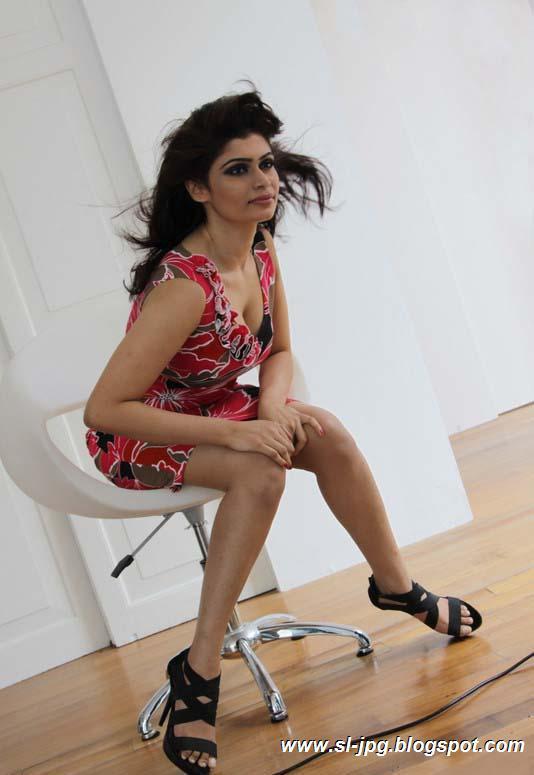 srilankan actress sri lanka girls: Srilankan girl Hirunika ...
