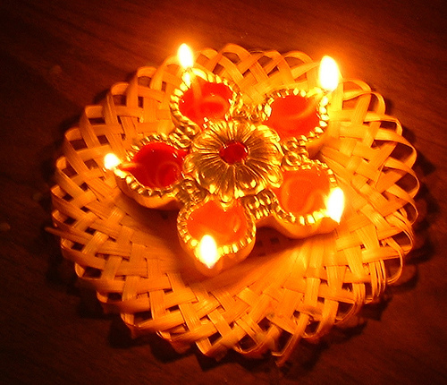 Diwali Clay Lamps http://diwali-celebration.blogspot.com/2011/09/diwali-lamps.html