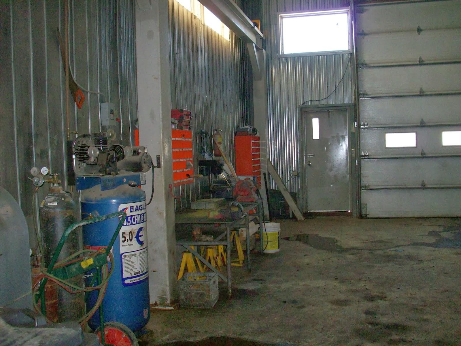 Garage camion espace commercial louer secteur for Louer garage mecanique