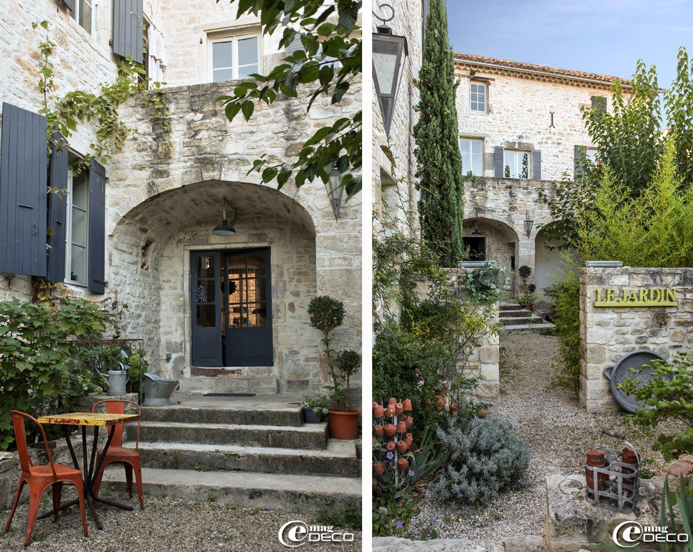 Terrasse et jardin de la maison d'hôtes 'Les Nomades Baroques' à Barjac