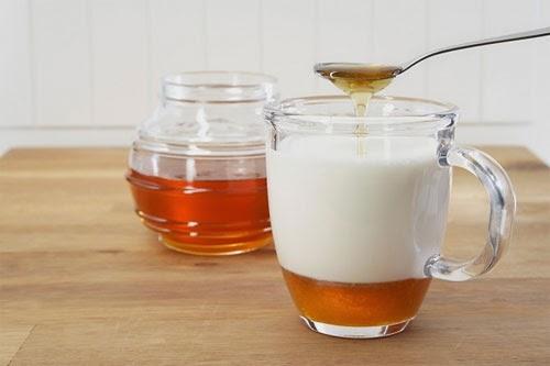 Mặt nạ mật ong và sữa chua