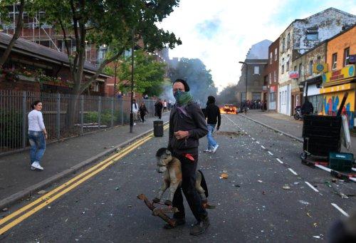 foto-kerusuhan-london-inggris-2011-16