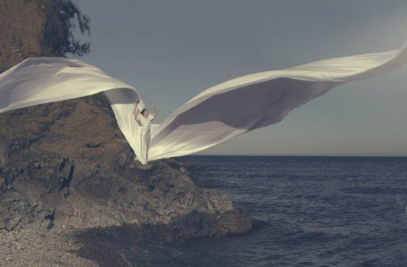 katerina plotnikova fotografia surreal mulheres natureza país das maravilhas Esvoaçante