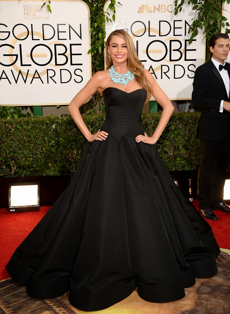 Sofia Vergara pairs a Zac Posen ball gown with a statement turquoise ...