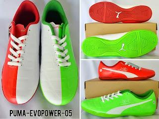 Sepatu Futsal Puma Beda Warna