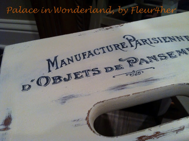 Chalk Transfer Shabby Stool, Fleur4her, Palace in Wonderland