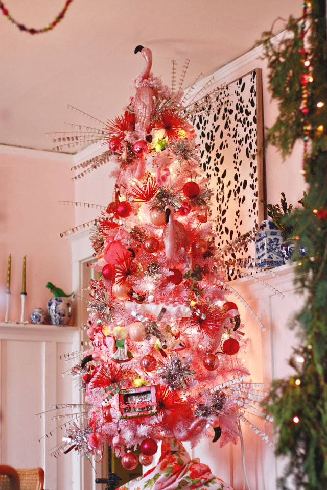Christmas Decorations: The Dining Room - Aunt Peaches