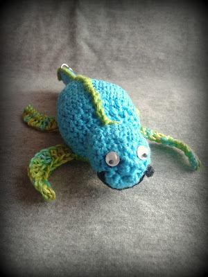 szydełkowa zabawka jaszczurka