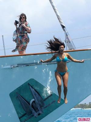 Kim-Kardashian-Bikini-Body-in-Dominican-Republic-PHOTOS