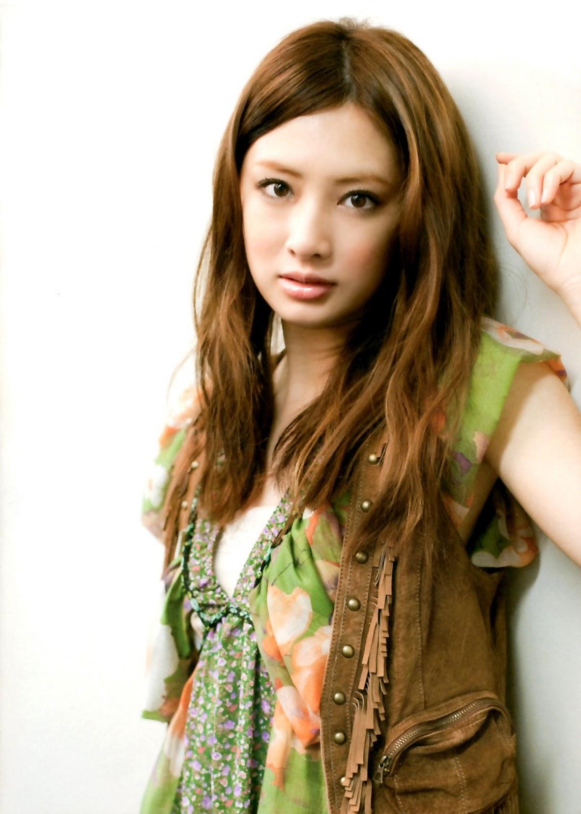 Keiko Kitagawa Japanese Actress Wallpaper