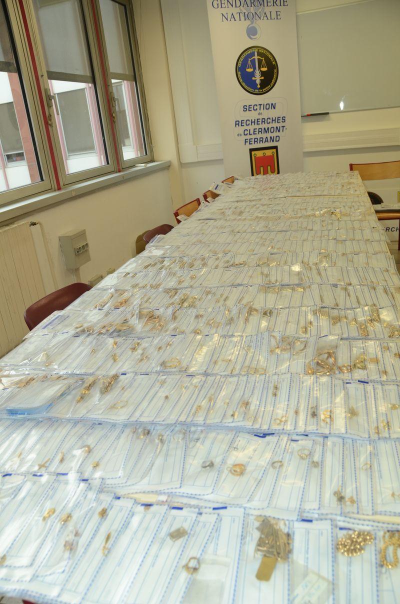 Le blog de l 39 agglorieuse 700 bijoux vol s r cup r s par for Gendarmerie interieur gouv