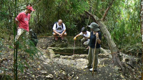 SEBUAH kubur kuno yang ditemui di puncak Gunung Kamhantik di Filipina pada 26 Februari tahun lalu.