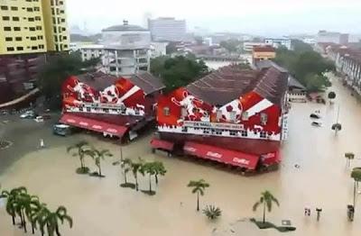Bandar Kuantan Dilanda Banjir Kilat