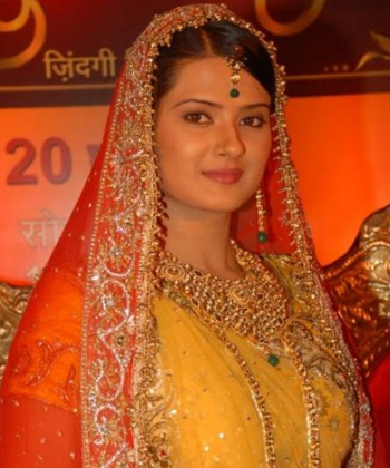 kratika sengar hd wallpaperborder=