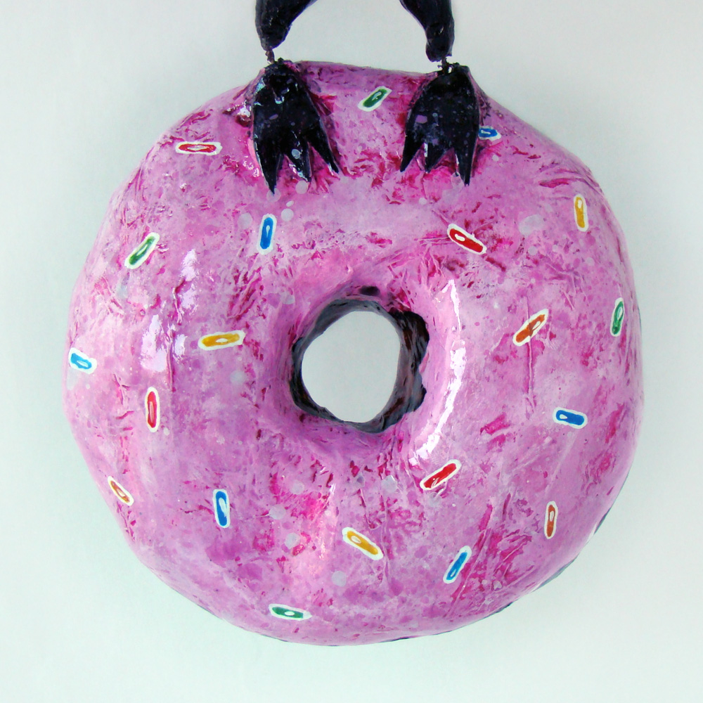 papier mache donut (blacklilypie.blogspot.com)