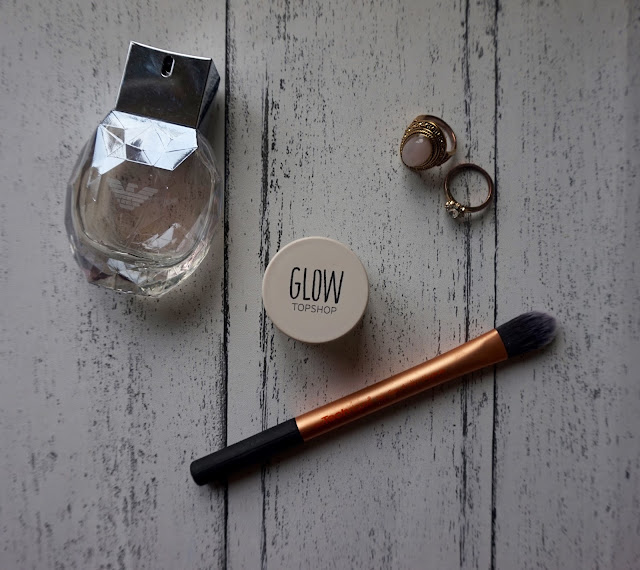 bblogger, beauty blogger, hannah rose, hanrosewilliams, topshop, Topshop Glow Highlighter in Polished, Topshop Glow Highlighter in Polished review, topshop makeup, topshop makeup review,