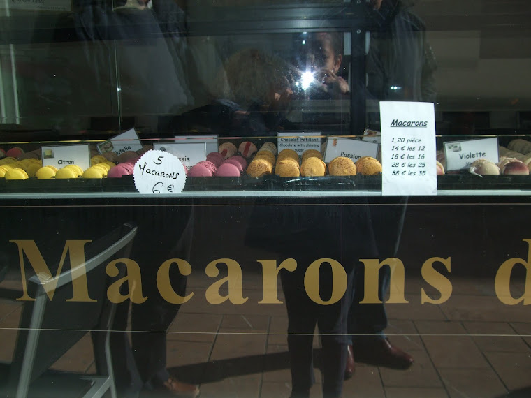 look at this array of lovely macarons in St cere