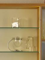 Lichtplanung Beleuchtung Einbauschrank LED Stripes hinter der Glastür