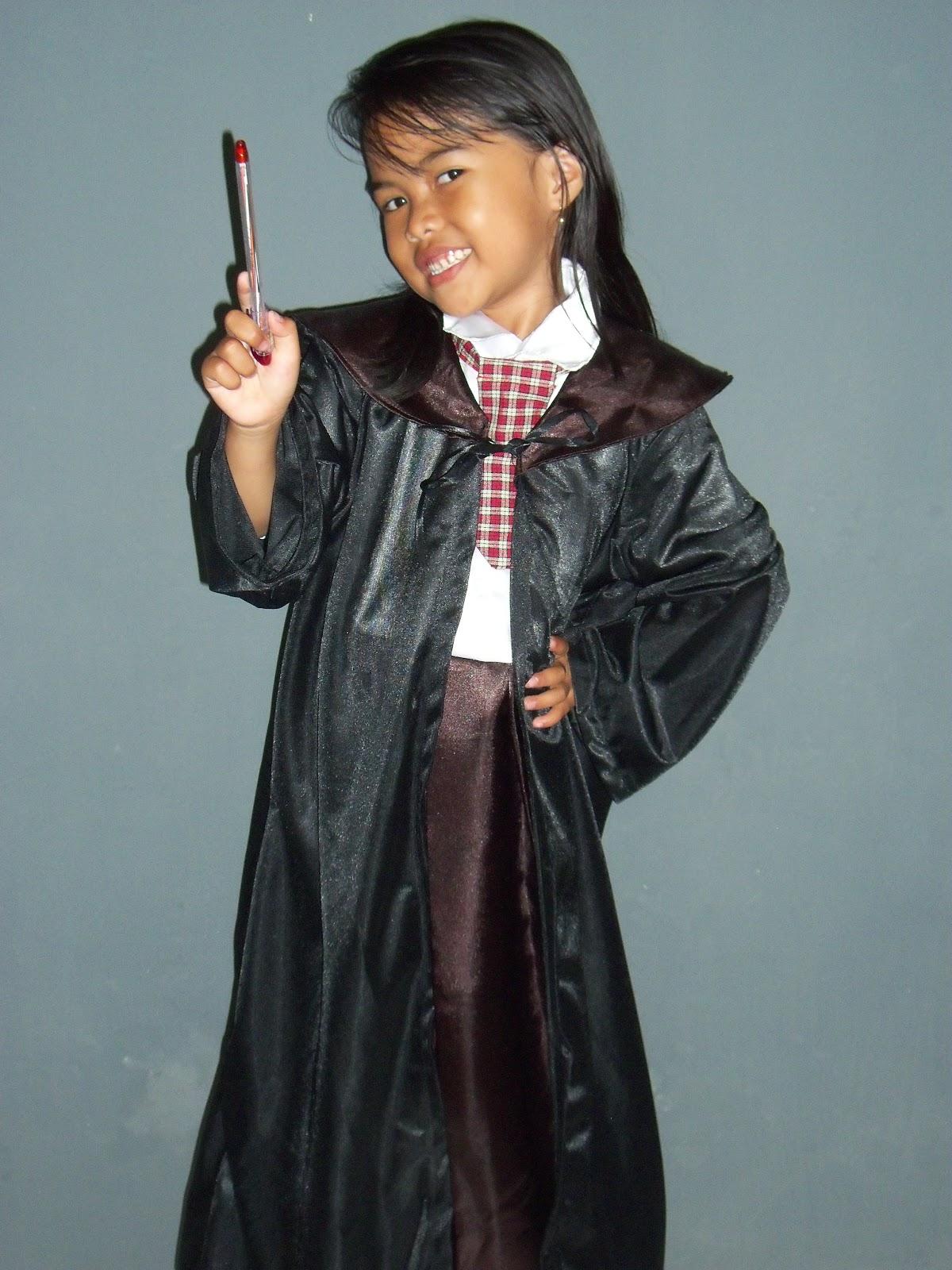 Nama Kostum : Kostum Hermione Ginger (Harry Potter)