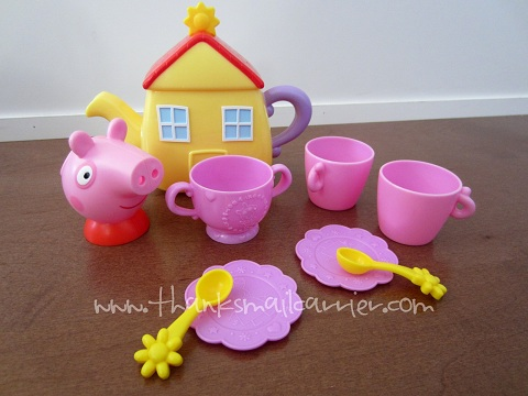 Peppa Pig Sip 'n Oink Tea Set review