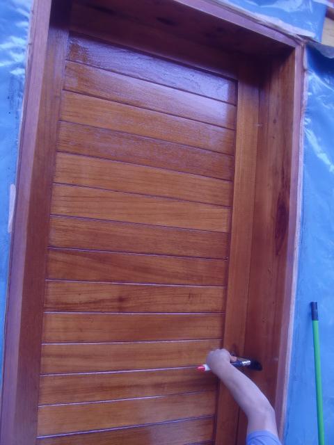 Decoraciones manualidades en madera tecnicas para - Como arreglar puertas de madera rayadas ...