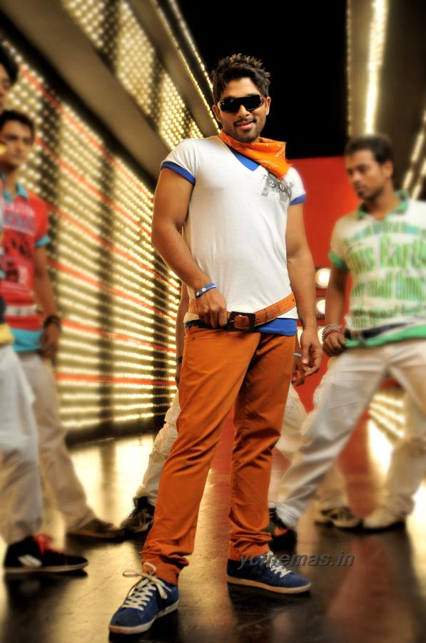 allu arjun julayi movie new still - allu arjun julayi movie new stills