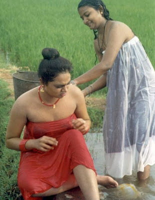 Abinayasri Hot Wet Bath Scene Photos
