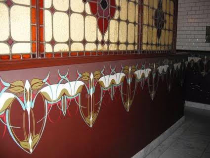 Geschilderde ornamenten in Restaurant de Belhamel