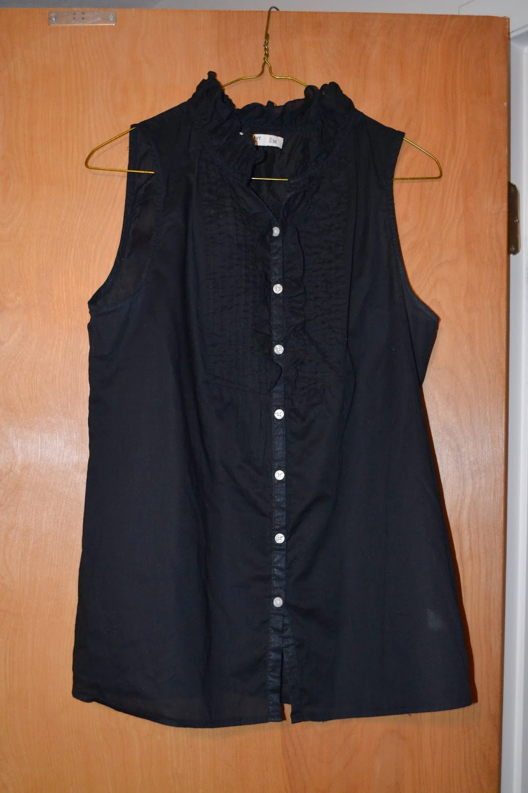 Thred up Black Button up