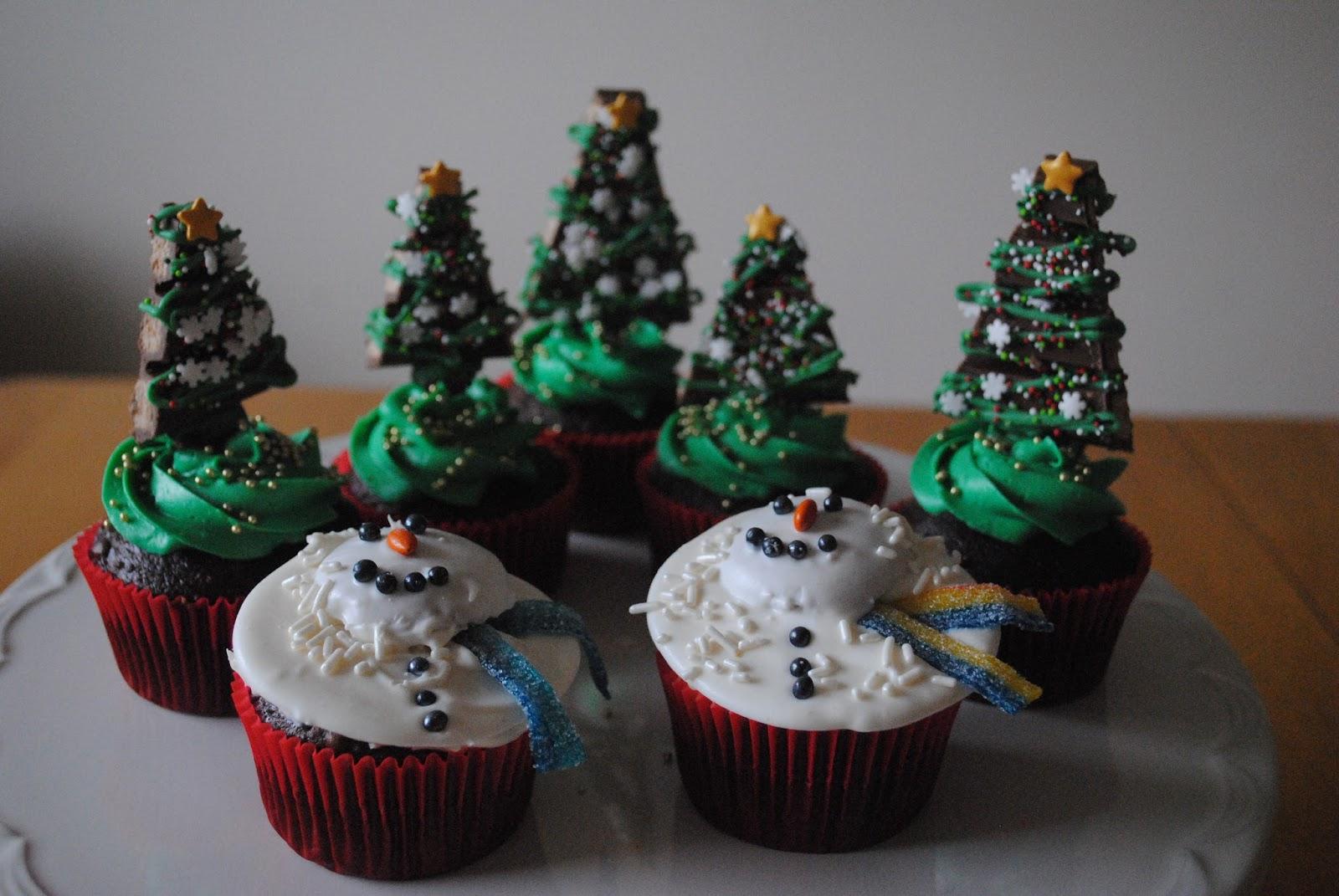 Juli Jacklin\'s Cupcakes: December 2015