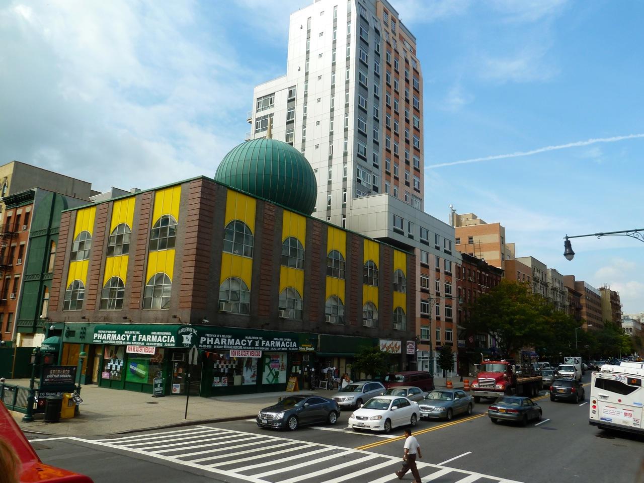 http://4.bp.blogspot.com/-ShKa4z09v7E/ToEPdzMiEVI/AAAAAAAAAwY/tRKTEpXLMWc/s1600/NYC18.jpg