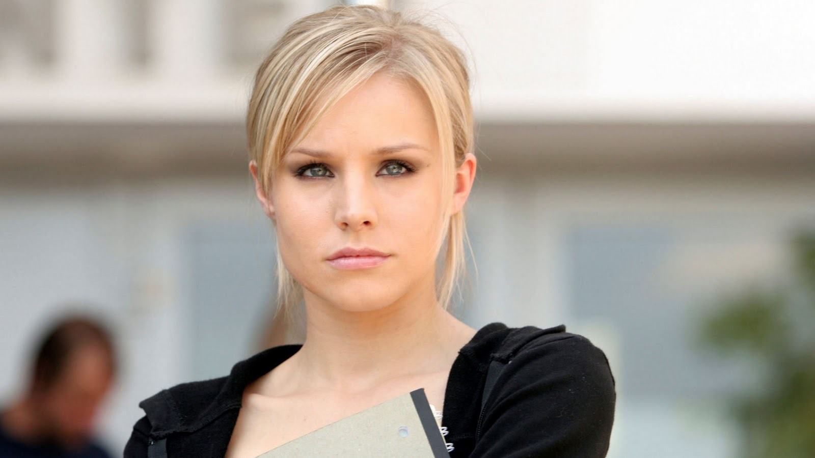 http://4.bp.blogspot.com/-ShL9_cpZOOs/TtQCbgo83AI/AAAAAAAAAEU/gTvZEYAfjrA/s1600/larasatisayang.blogspot.com-Blonde-Kristen-Bell_1920x1080_2599.jpg